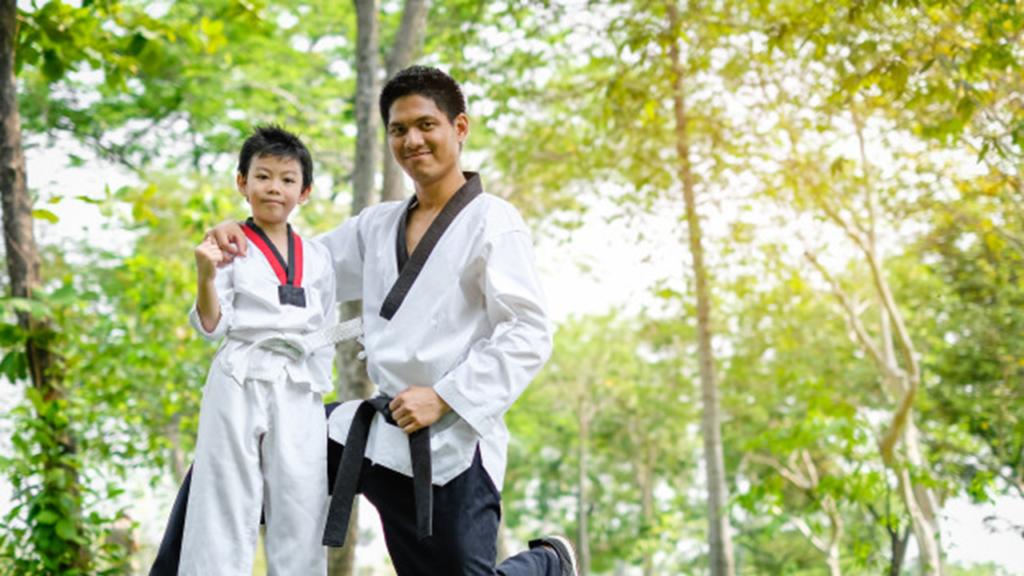 Học võ tự vệ tăng cường sức khỏe